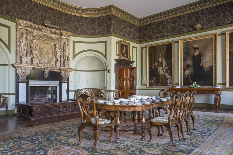 english-country-manor-house-interior-large-stately-home-yorkshire-north-east-england-30883785