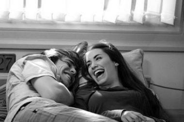 couple-cute-laughing-Favim.com-343655